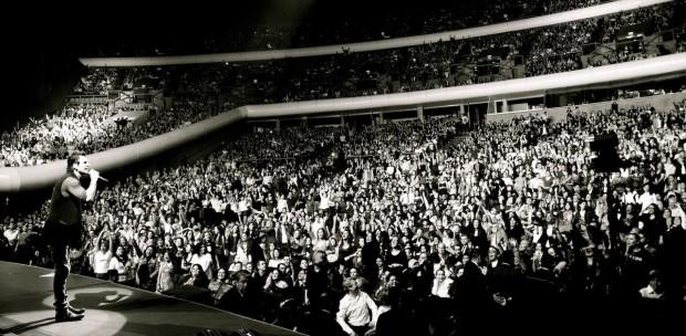 Ricardo Arjona performs during his Viaje 2015 Tour in Puerto Rico (Photo Courtesy DBaron PR)