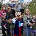 La familia Camil goza de la celebración Diamante de Disney