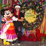 Joey Montana se divierte en Disneyland