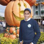 Jorge Campos en Disneyland en Anaheim