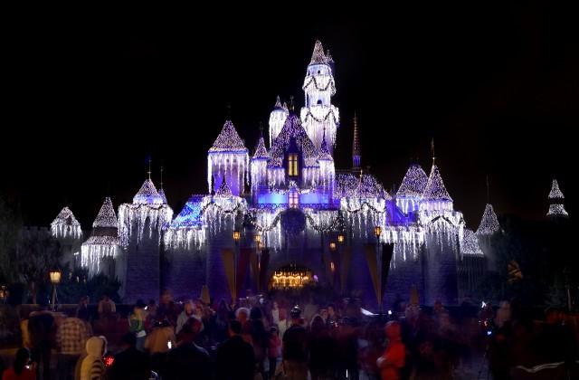 Sleeping-Beauty-Castle-53813-640x420
