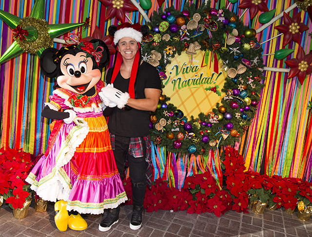 Joey Montana se divierte en grande en Disneyland (Foto Cortesía: Paul Hiffmeyer/Disneyland Resort)