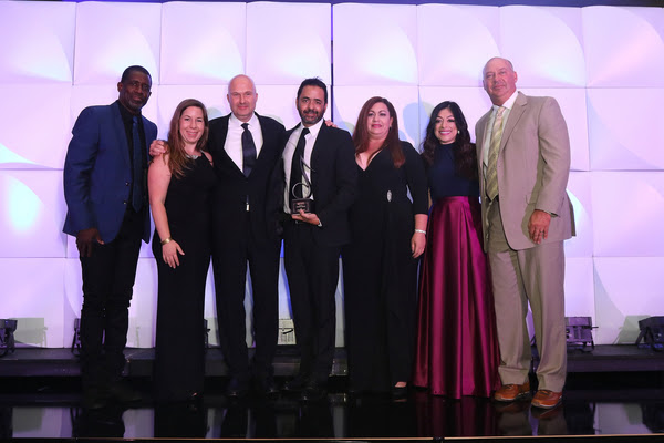 SESAC Latina Publisher of The Year - (L-R) SESAC's Trevor Gale, Sony/ATV Sounds' Amy Roland, SESAC's Sam Kling, Sony/ATV Sounds' Jorge Mejia and Aireen Hevia, SESAC's Celeste Zendejas, and Sony/ATV Sounds' Jim Vellutato. (Photo © 2016 SESAC Latina)